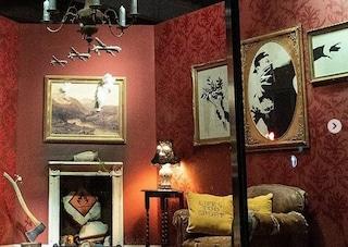 Banksy apre il suo negozio online: bastano 11 euro per portarsi a casa un'opera d'arte