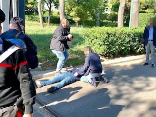Bari, pistole di segnalazione e bombe carta alla protesta dei pescatori: feriti due poliziotti