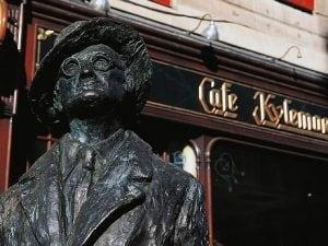 Il monumento a James Joyce ad O'Connel Street, Dublino.
