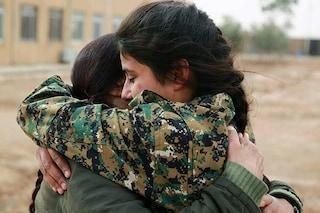 """Guerra in Siria, l'appello delle donne curde: """"A tutti i popoli che amano la libertà, aiutateci"""""""