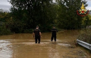 """Maltempo, ultima chiamata del tassista morto: """"C'è acqua dappertutto"""". Piemonte in stato di emergenza"""