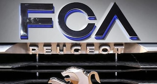 Fca-Peugeot, si tratta per la fusione: colosso dell'auto da 50 miliardi di dollari