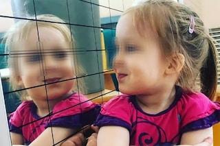 """Giorgia a 4 anni ha una malattia misteriosa: """"Non respira da sola. Aiutateci a trovare una cura"""""""