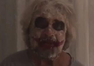"""Beppe Grillo vestito da Joker: """"Il Movimento non può più avere l'identità di 10 anni fa"""""""