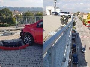 Vicenza, paura per una coppia: con l'auto rischia di precipitare dal terzo piano di un palazzo