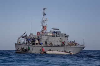 Migranti, respinta la richiesta di dissequestro per la nave della Ong Lifeline