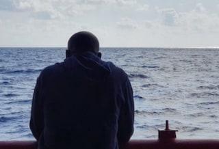 Migranti, diversi governi stessi errori: per i naufragi in mare diritti violati e prassi illegittime