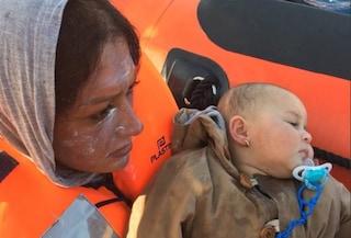 """Migranti, Open Arms salva 15 persone in mare: """"Erano sul punto di naufragare"""""""