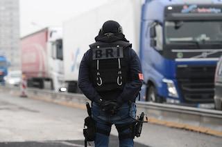 Francia, forte boato avvertito a Parigi: un aereo ha rotto il muro del suono