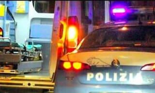 Dramma a Genova, passa col verde ma si schianta contro volante della polizia: muore 25enne