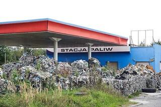 """Polonia, Greenpeace: """"Trovato sito illegale di stoccaggio di plastica proveniente dall'Italia"""""""