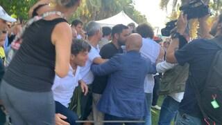 Napoli, rissa tra attivisti M5s e giornalisti a Italia a 5 Stelle
