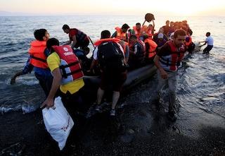 Migranti, nessuno ai funerali delle 13 donne morte a Lampedusa