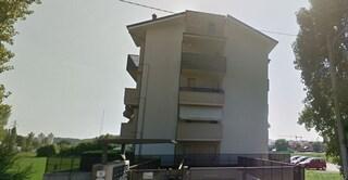 Rimini, ingegnere sfrattato si lancia dall'ufficio e muore prima di consegnare le chiavi