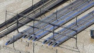 Giappone, il tifone Hagibis sommerge dieci treni super veloci: danni per 300 milioni di dollari