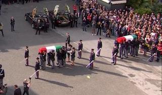 A Trieste i funerali dei poliziotti uccisi: cos'è successo il 4 ottobre a Rotta e Demenego