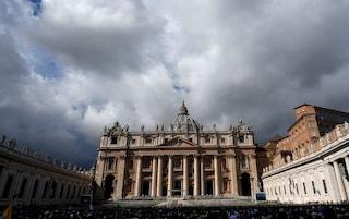 Soldi del Vaticano per investimenti immobiliari: sequestrati documenti e Pc a monsignor Perlasca