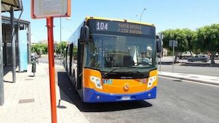 Palermo, bus gratis per chi paga le tasse: la proposta del sindaco Orlando