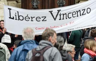 Scontri G8 di Genova: Francia libera Vincenzo Vecchi, Italia chiedeva l'estradizione