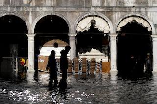 Maltempo, in Veneto è allerta meteo rossa. Acqua alta a Venezia, toccato picco di 154 cm