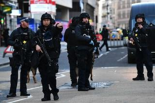 """Attacco al London Bridge, Isis rivendica l'aggressione: """"Attentatore è nostro combattente"""""""