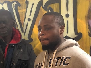 """Firenze, nigeriano di 28 anni picchiato nel sottopasso: """"Preso a pugni da due incappucciati"""""""