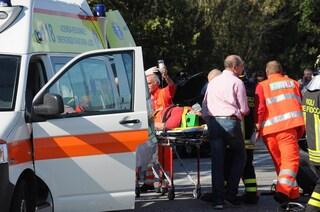 Pisa, reazione chimica in conceria: operaio di 34 anni gravemente ustionato al volto