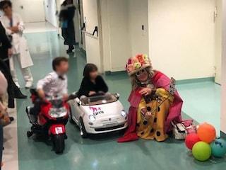 Prato, i bimbi ricoverati vanno in sala operatoria a bordo delle minicar giocattolo