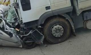Tragico incidente sulla Rutigliano-Conversano, Marino muore nella sua auto finita sotto un tir