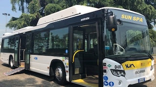 Novara: studenti e insegnanti denunciano l'autista di un bus che insulta passeggera nordafricana