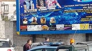 Catania, strade chiuse e fuochi d'artificio al concerto abusivo: indagati 10 cantanti neomelodici