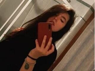 Torino, 18enne muore impigliata al cancello di casa: ha scavalcato perché senza chiavi