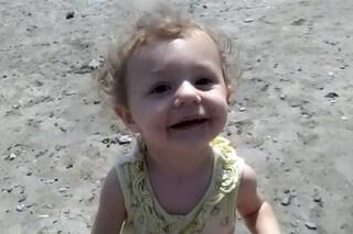 Uccisa due anni fa dal patrigno e della mamma, la piccola Eve aspetta ancora un funerale