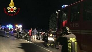 Incidente Sulmona, scontro frontale tra auto sulla statale 17: padre e figlio morti schiacciati