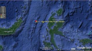 Indonesia: terremoto di magnitudo 7.4 fa scattare allerta tsunami, poi cancellata