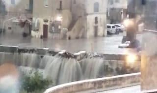 Maltempo Matera, strade trasformate in fiumi di fango e detriti: danni ingenti