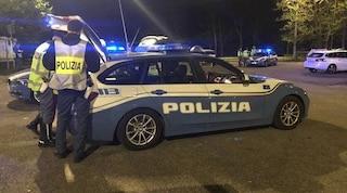 Taranto, riciclavano auto di lusso con falsi dati: otto persone arrestate