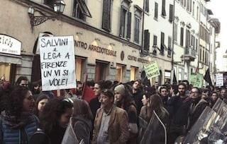 """Sardine contro Salvini a Firenze: """"Siamo 40mila"""". Sindaco di Massa: """"Aggredito da antagonisti"""""""