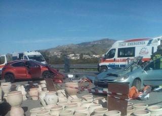 Incidente Statale 106 Jonica, scontro tra 3 auto a Melito di Porto Salvo: morti marito e moglie
