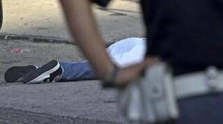 """Catania, 13enne si lancia dal balcone di casa e muore: """"Sgridato per i brutti voti"""""""