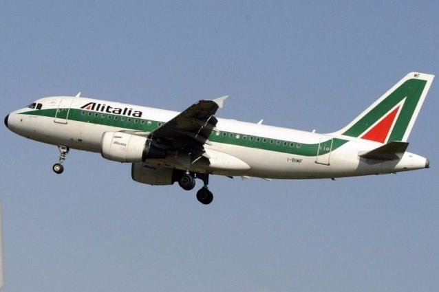 Alitalia apre cinque voli al giorno sulla tratta Londra-Roma per rimpatrio connazionali