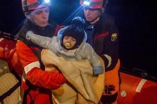 """Migranti, il Viminale: """"La Alan Kurdi sbarcherà a Pozzallo, a bordo 32 persone"""""""