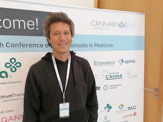 """""""La cannabis cura il cancro? Abbiamo ottimi motivi per crederlo, ma c'è un ostacolo economico"""""""