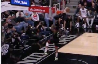 Basket, Harden schiaccia e il pallone entra ed esce dal canestro: Spurs-Rockets si rigioca?