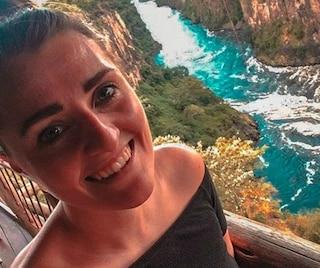 Ancona, le danno da bere nonostante sia ubriaca: 30enne muore annegata. Chiusa discoteca