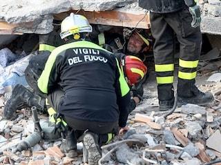 """Terremoto Albania, rientrano in Italia i Vigili del Fuoco. """"Lavoro eroico"""""""