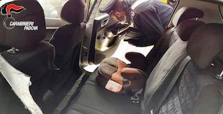 Padova, lascia auto accesa con il figlio dentro: ladri la rubano, padre trascinato per alcuni metri