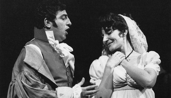 Il soprano Maria Callas insieme al tenore Renato Cioni nella Tosca, Covent Garden di London, 18 gennaio 1964.