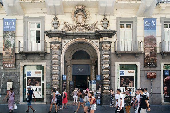Palazzo Zevallos Stigliano, a Napoli, resterà aperto domenica 8 dicembre 2019.