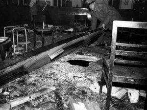 L'ordigno nella Banca Nazionale dell'Agricoltura, situata a piazza Fontana a Milano, esplode nel pomeriggio del 12 dicembre 1969.